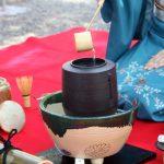 お茶碗の中の宇宙 日本を感じ 自然の中で野点を楽しむ